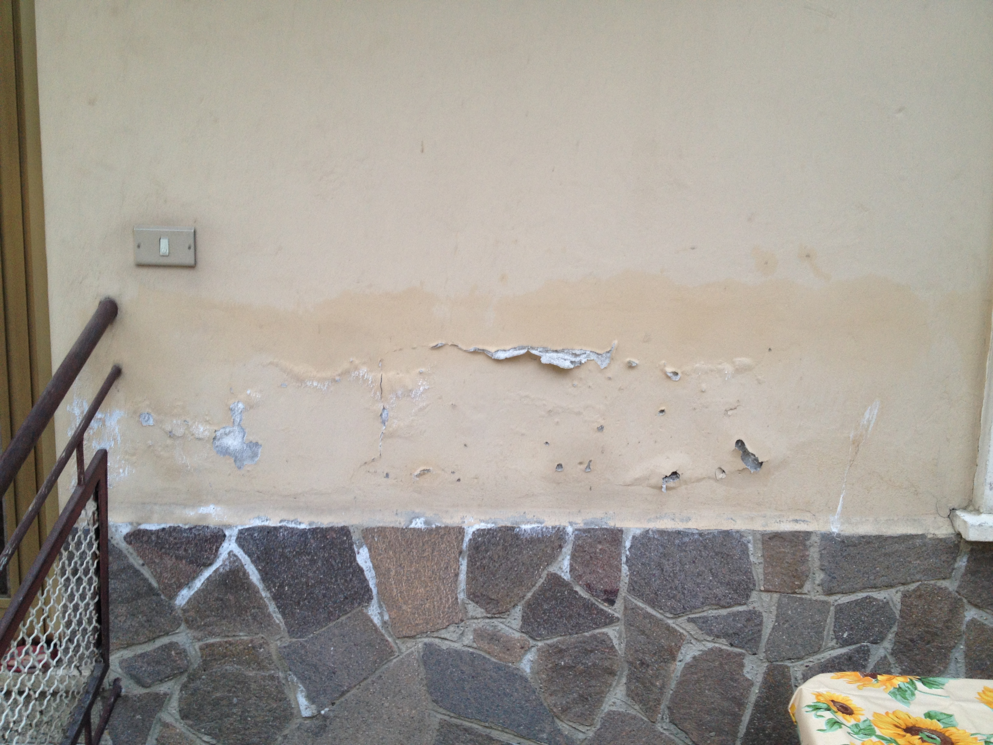 Stai cercando come eliminare l 39 umidit di risalita for Case in stucco e mattoni