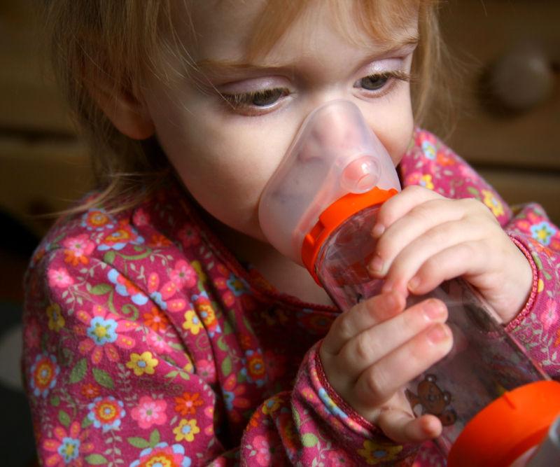 bambina asmatica