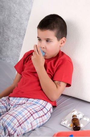bambino asma muffa